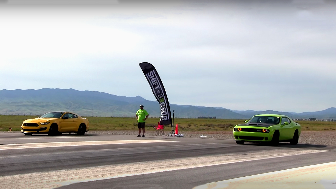 2015 Dodge Challenger Hellcat VS 2016 Shelby Mustang GT350