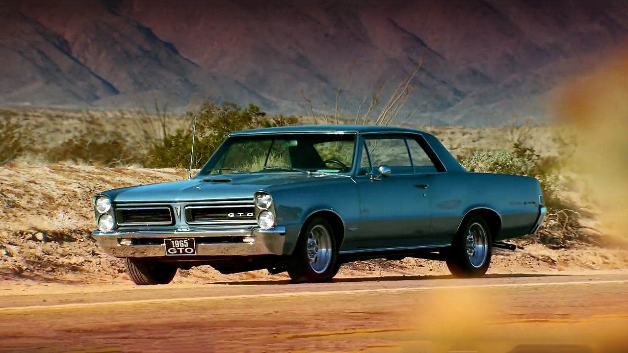 100 Mph in 1965 Pontiac GTO on a Lonely Desert Highway