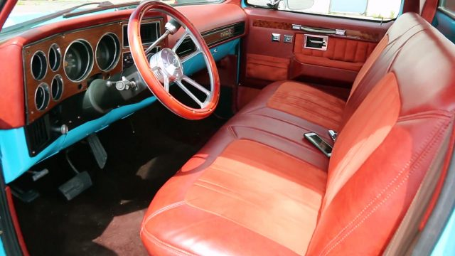 1980 Chevrolet C10 Scottsdale Pickup Truck interior