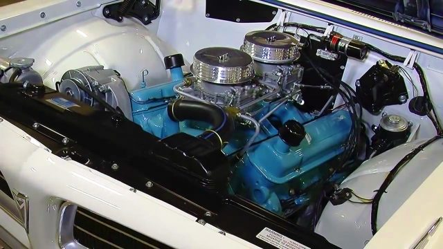 Stan Long 1963 Pontiac Tempest 421 Super Duty engine