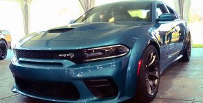 Alien among Modern Muscle Cars - 2020 Dodge Charger Hellcat
