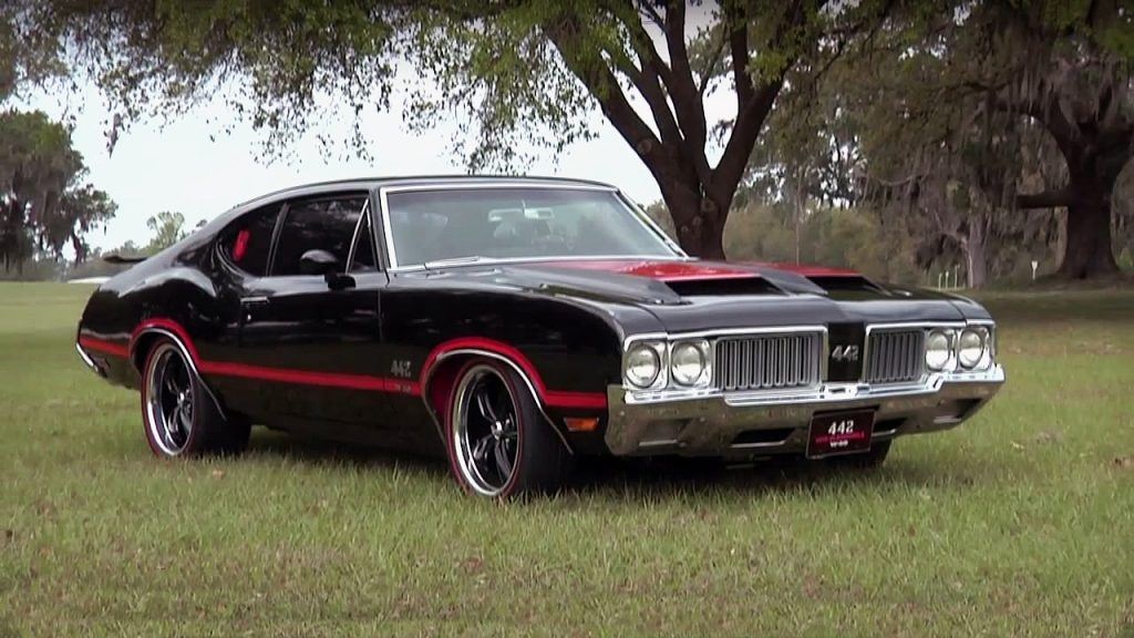 1970 oldsmobile cutlass 442 holiday coupe muscle car definition