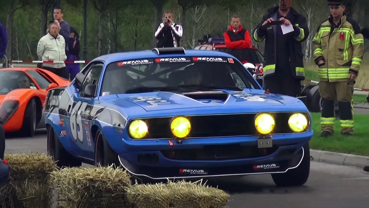 Richard Petty Mustang >> Watch This Extremely Loud Pro Touring 1970 Plymouth 'Cuda