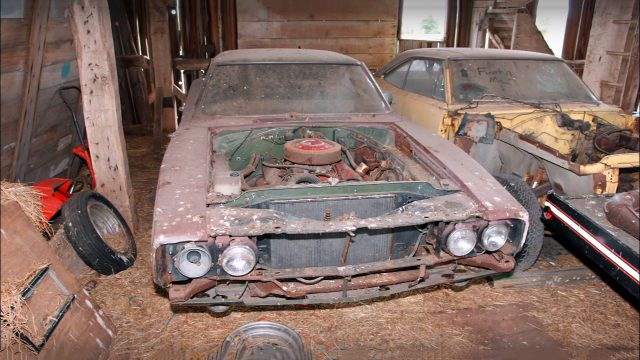 Super Cool 1969 Dodge Charger 500 Barn Find Front