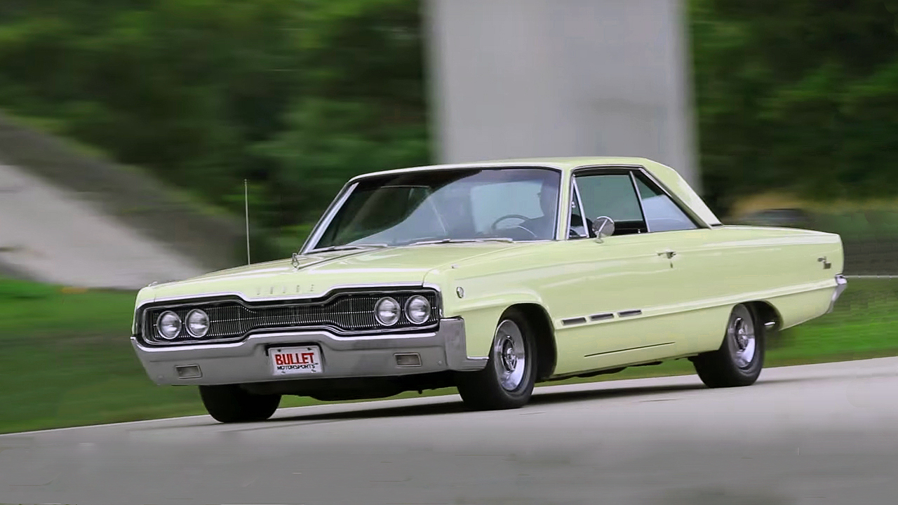 Luxury 1966 Dodge Monaco 500 Hardtop Coupe with 440 Big-Block