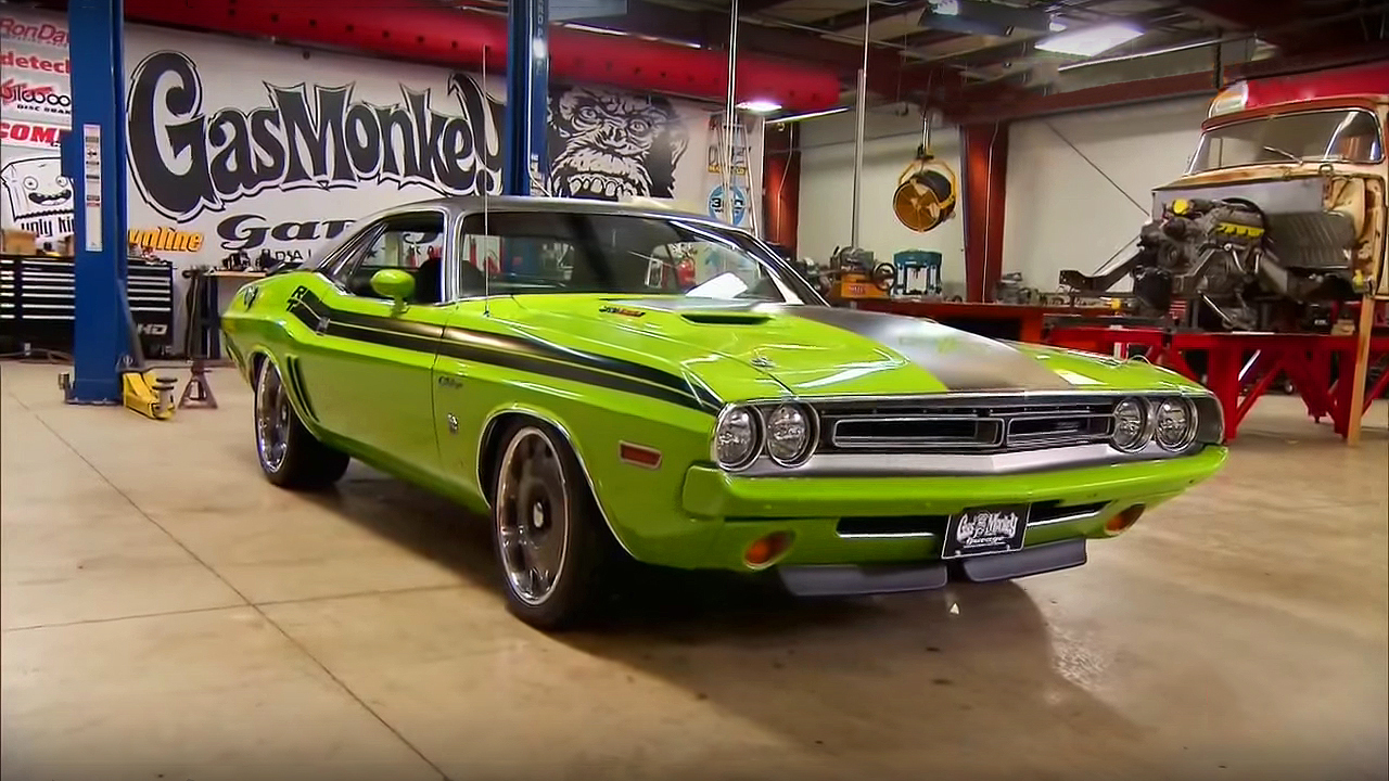 How To Install Modern 392 Srt Hemi V8 In Classic 1971 Dodge