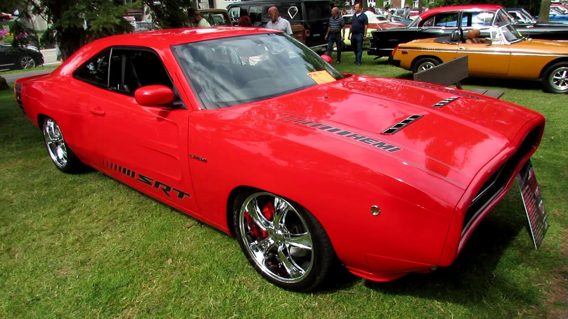 Insanely Cool and Modified 1968 Dodge Charger SRT HEMI