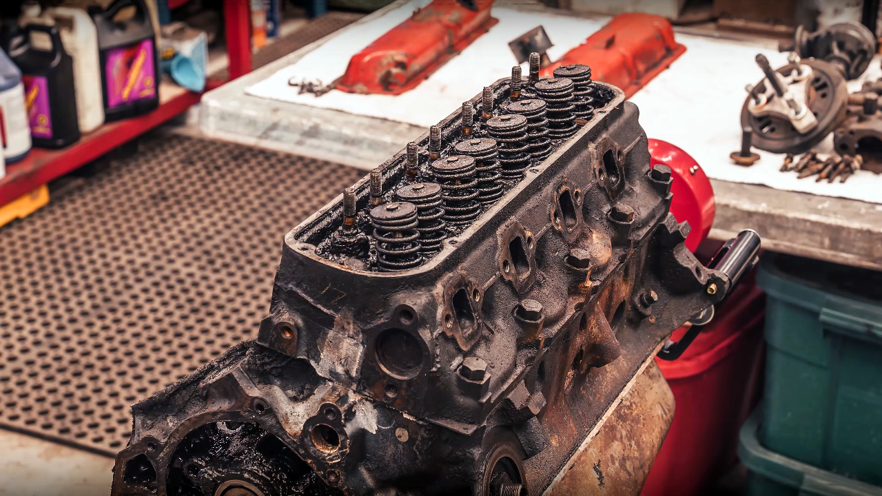 Time-Lapse Ford 289 Windsor V8 Engine Rebuild - ENJOY!