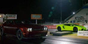 Big American Muscles - Demon VS Aventador !