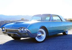 1962 Ford Thunderbird Front