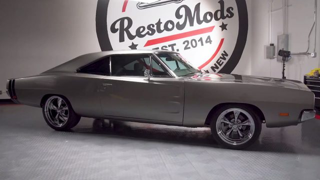 1969 Dodge Charger RT Restomod Side