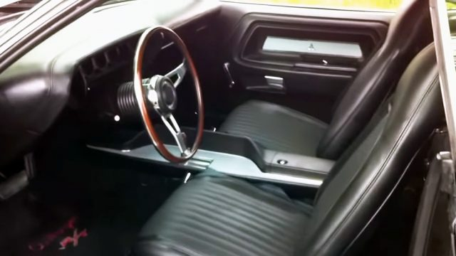 1970 Dodge Challenger R/T 440 Restomod Interior