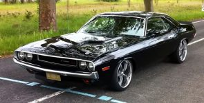 1970 Dodge Challenger R/T 440 Restomod with Awesome Stance