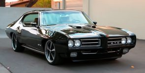 Immaculate 1969 Pontiac GTO Restomod in Midnight Green