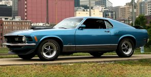 1970 Ford Mustang Mach 1 with powerful 428 Cobra Jet under the Hood